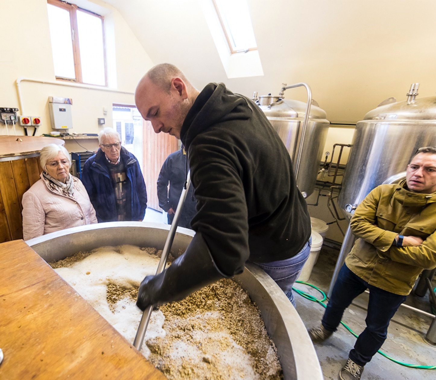 Will Kear Hillside Head Brewer running a brewing experience day