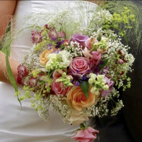 Country & Formal Flowers, ideal for your wedding or special occasion.